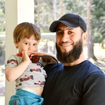 Ramadan är avslutad och nu börjar id al-fitr – Lappträskbon Abdul Aki firar högtiden tillsammans med sin familj