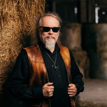 Mungo Jerry-spesiaali! Ray Dorset kertoo ja muistelee! Musavalintojaan ovat Elvis, Hank, Lonnie Donegan, Cash ja Crazy Cavan!