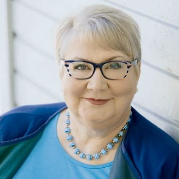 Anneli Kanto kävi kiroilukoulun, jotta löytäisi meheviä solvauksia romaaniinsa