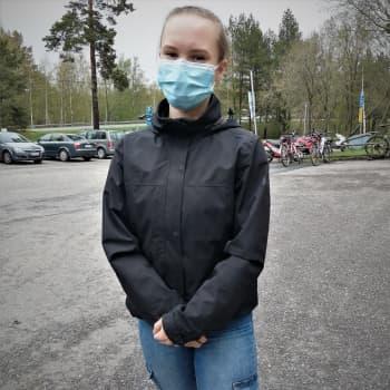 Tänään Nea Palomäki sai tietää kirjoitusten tulokset - valkolakki tuli!