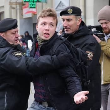"""Valko-Venäjä kaappasi matkustajakoneen ilmatilassaan - Haavisto: """"Ilmarosvoutta"""""""