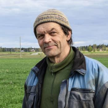 """Bonden Christer Finne om den kalla våren: """"Man får ännu vara försiktig med värmekrävande grödor som gurkor och pumpväxter"""""""