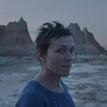Oscar-voittaja Nomadland kuvaa köyhien USA:ta - millainen on todellisuus?