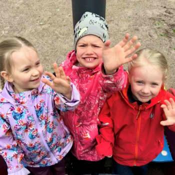 """""""Muminvärlden hör till Finland men man måste åka dit med bil"""" - Barnpanelen berättar om sina vilda semesterplaner"""