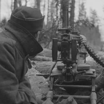 Kiertokäynti Rukajärven kylässä (1941)