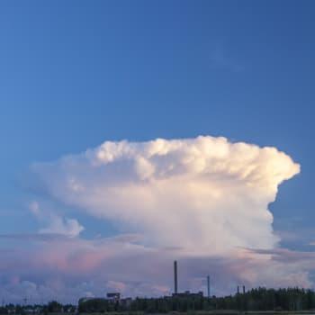 Kauas pilvet karkaavat