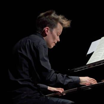 Euroradion konsertissa pianisti Joonas Ahonen ja viulisti Patricia Kopatchinskaja