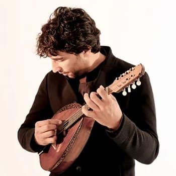På mandolin och ackordeon