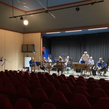 50-åringen Vörå Spelmansklubb spelar in sin elfte skiva