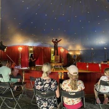 Sirkus Valentino tunnustelee yleisön kiinnostusta tiukan koronakurin jälkeen