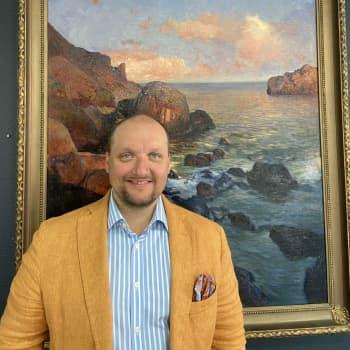 Joachim Borgström för oss in i auktionernas värld, hittar folk dyrgripar på vinden och kan det finnas för många aaltovaser?