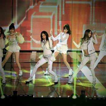 K-pop jättisuosittua - antifanit yrittävät myrkyttää artisteja ja julkkisten itsemurhat yleisiä