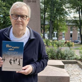 Suomi-jääkiekon syntyvaiheet kirjaksi - yksi kirjoittajista on kokkolalainen Olav Björkstrand