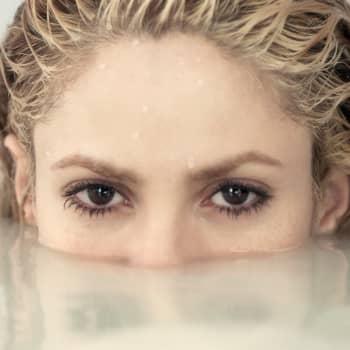 Kolumbialainen Shakira on seksipommi ja naapurintyttö - Neitsyt Marian palvonta muokkaa myös lattaritähden imagoa