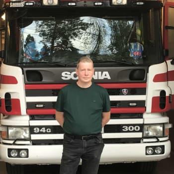 """""""Alla träd var svarta och rötterna brann"""" – Georg från Köklax frivilliga brandkår återvände från Kalajokis skogsbränder"""