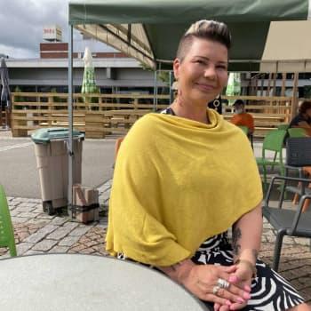 """""""Tiukka kuntatalous on haasteena uudelle valtuustolle"""" sanoo valtuuston uusi puheenjohtaja Paula Werning"""