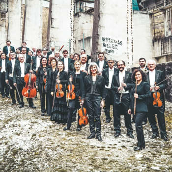 Orchestra della Svizzera italiana med solister, dir. Alessandro Calcagnile.