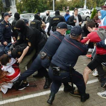 Millaisia ihmisoikeusrikkomuksia Valko-Venäjällä tapahtuu?