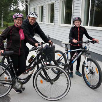 Våfflor, korv och cykling när Pedfest gick av stapeln i Purmo