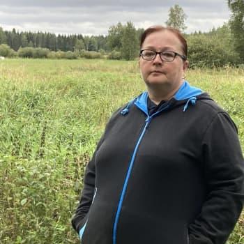 Rautiossa asuva Tiina Eskelinen eli evakkouhan alla Kalajoen suurpalon aikaan - mitä hänelle kuuluu nyt?