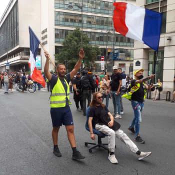 Kritik mot coronapass i Frankrike