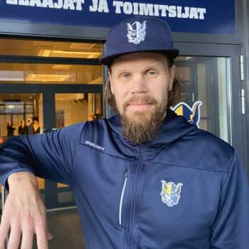 """Olli Jokinen toi taklauspelaamisen Mikkeliin: """"Jääkiekkoon kuuluu kamppailupelaaminen"""""""