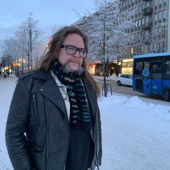 Molli ja metalli vetivät Kaarle Viikatteen puoleensa jo varhain - Silti myös uusi musiikki jaksaa edelleen ilahduttaa