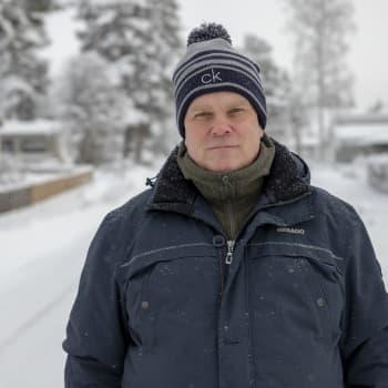 """Jarmo Korhonen pysyy keskustassa kymmenen vuotta vaalirahajupakan jälkeenkin: """"Jos olen viimeinen, sammutan valot"""""""