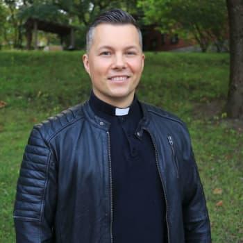 """""""Sommaren 2022 blir det bröllopsboom - så boka din kyrka i tid!"""" - församlingarna gläds åt lättade restriktioner"""