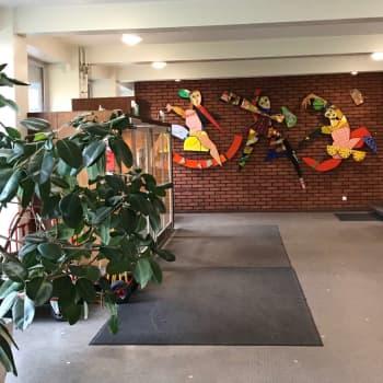 Hundratals köar till de populäraste kurserna när Arbis slår upp dörrarna igen