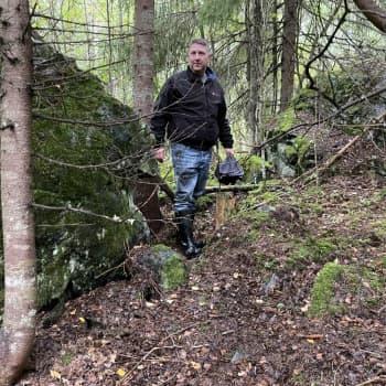 Hopeinen myöhäisrautakautinen koru löytyi Hämeenkyrön metsän uumenista