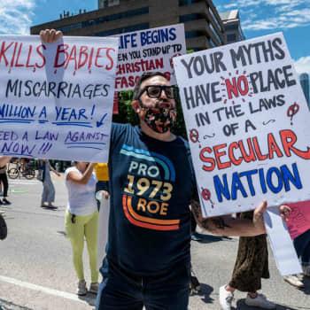 """Lotta i Kalifornien säger att nya abortlagen känns främmade även i USA: """"Jag tror det chockerade Texasborna allra mest"""""""