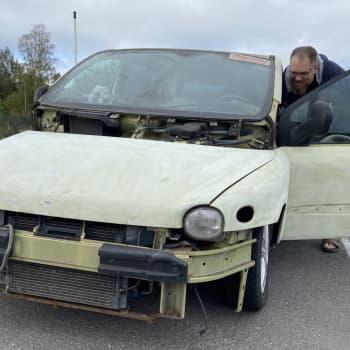 Jani Lemberg maailman rumimmasta autosta: Toiset sanoo rumaksi, minusta se on persoonallinen