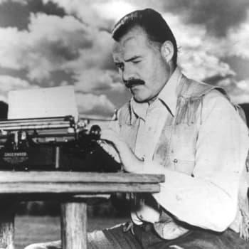 Hemingway - machoimagon takana herkkä, traumatisoitunut ja feminiininen