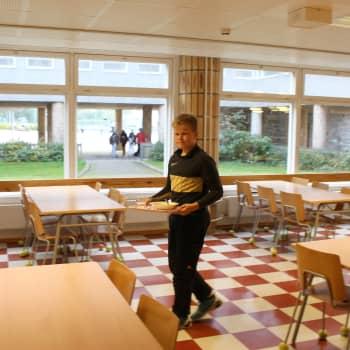 Få Hangöelever vill äta gratis frukost i skolan
