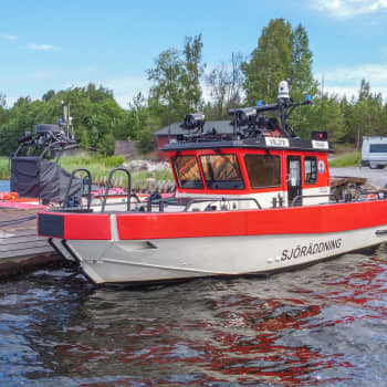 Ta dig en titt på den nya räddningsbåten vid Näseudden i Ekenäs