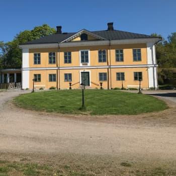 Efter otaliga arbetstimmar vaknar Brinkhall herrgård upp igen
