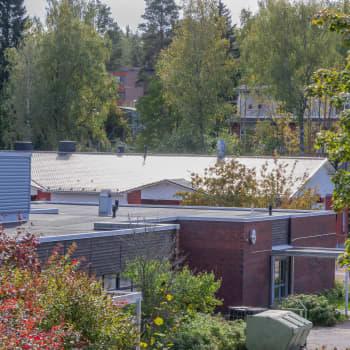 Oroligt vid den tomma skolbyggnaden i Söderkulla – högljudd mopedkörning, cannabis och klättring på taket