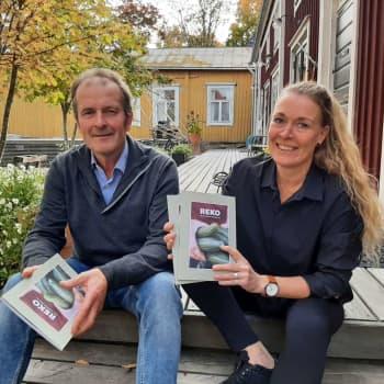 Reko tog världen med storm – nu kommer boken om handel utan mellanhänder