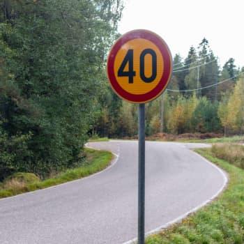 Hård polemik på Emsalö om nya hastighetsbegränsningar