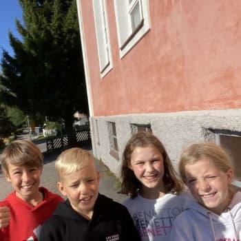 I Nummela är allt nära och vi har kompisar på både svenska och finska