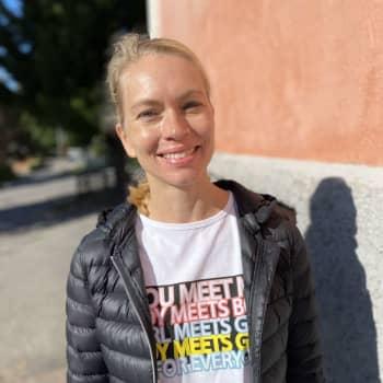 Eva Roos: Stark närvaro av den svenskspråkiga föräldern behövs i finska Vichtis