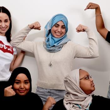Antaisitko mustan naisen opettaa lastasi tai muslimin piikittää kankkuasi?