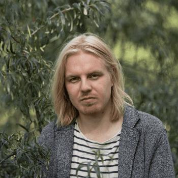 Kirjailija Antti Rönkä halusi voittaa karman ja kirjoitti oman häpeänsä auki