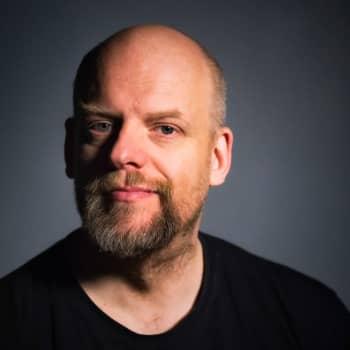 Janne Saarikivi: Tähän pöytään suomenkielinen ruokalista, ja ilman huippuosaajaa, kiitos