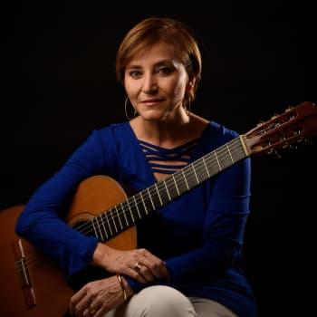 Berta Rojas ja eteläamerikkalaisen kitaran lumo