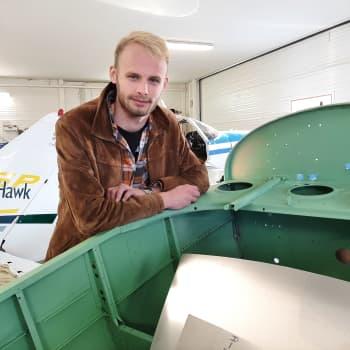 Ilmailuharrastaja Ossi Salo rakentaa omaa lentokonetta - Pää pilvissä, mutta jalat maassa