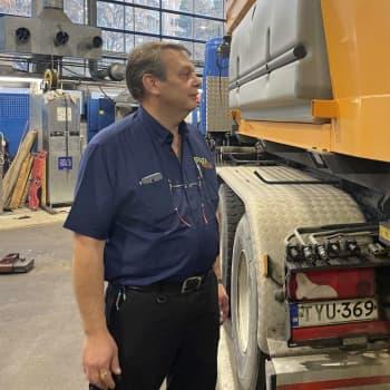 """Stara-veteranen Guy Selroos ser till att stadens fordon rullar: """"I stan behöver du inte dubbdäck"""""""