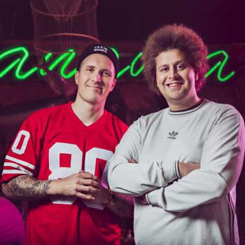 Vieraana Pasila 2.5 - The Spin-Offin tekijät Tero Koponen ja Niklan Lindgren