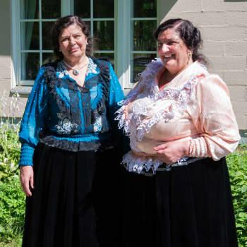 Äidin patakukkoa ja piimää - keittokirjauutuus ja Romanikulttuurin museon muita kuulumisia